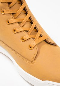 Lacoste - EXPLORATEUR CAW - Sneaker high - tan/offwhite - 2