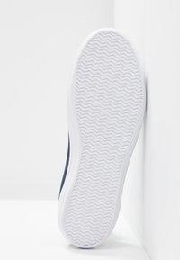 Lacoste - ZIANE CHUNKY - Sneakersy niskie - navy - 6