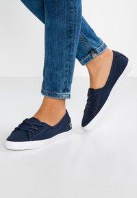 Lacoste - ZIANE CHUNKY - Sneakersy niskie - navy - 0