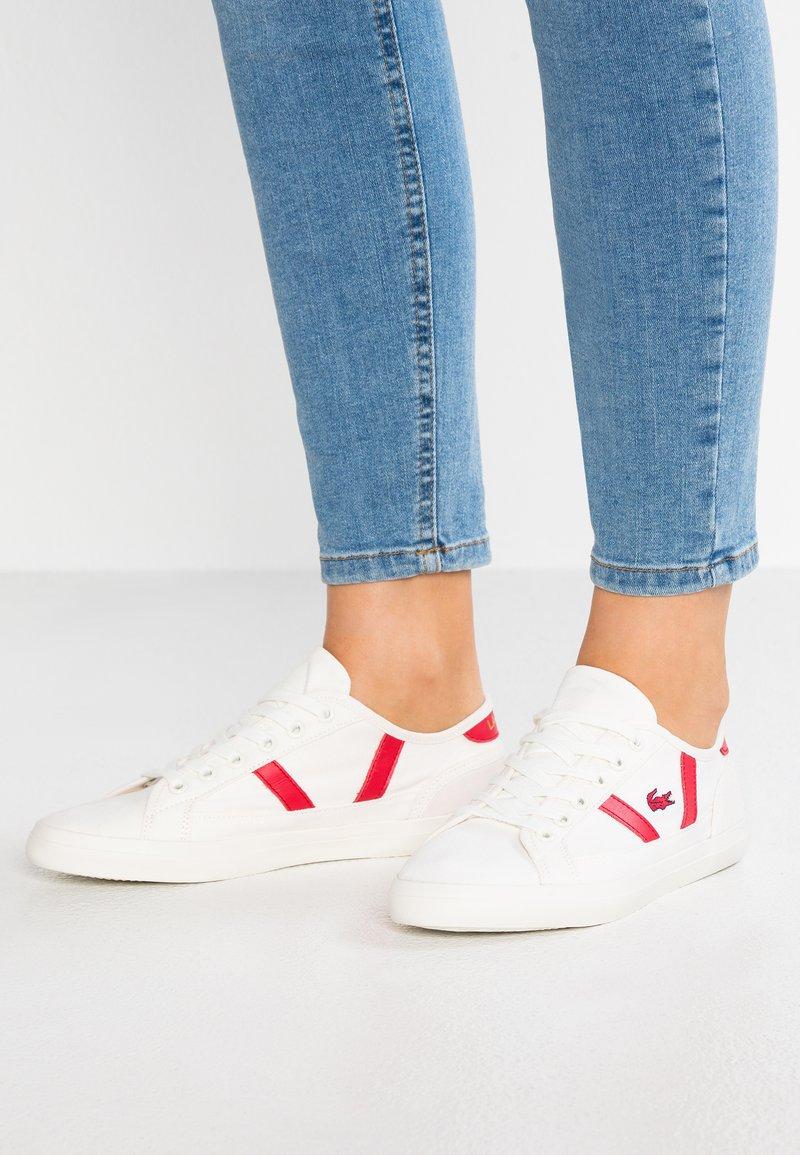 Lacoste - SIDELINE - Sneakersy niskie - offwhite