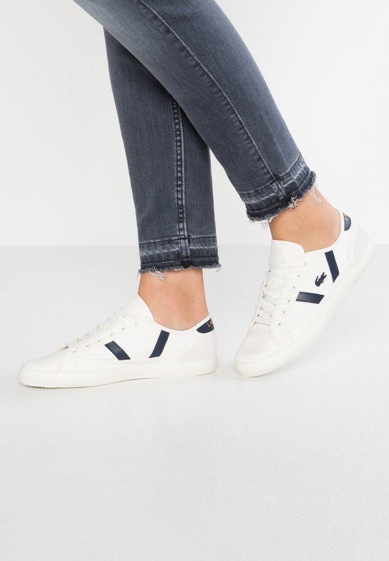 Lacoste - SIDELINE - Sneakers - white
