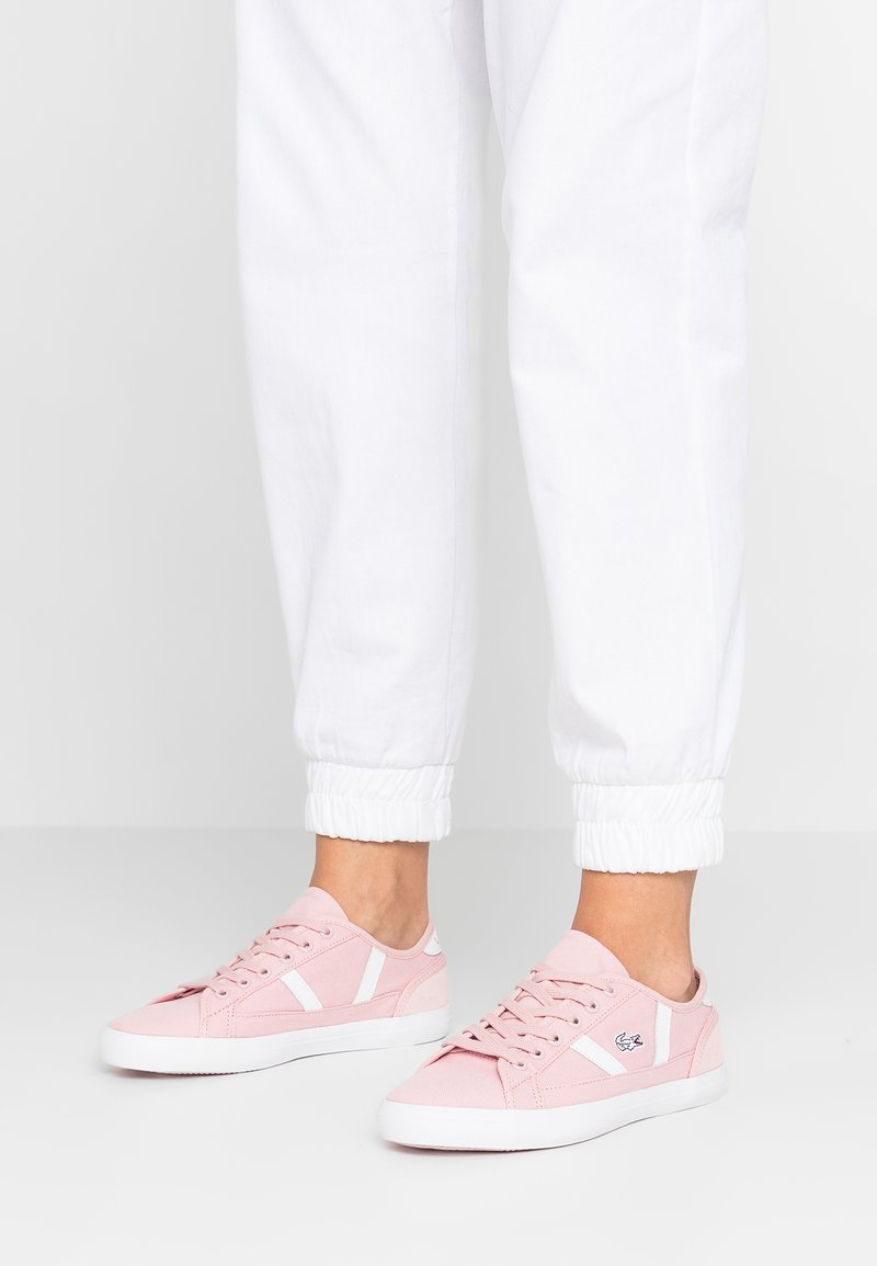 Lacoste - SIDELINE - Tenisky - pink