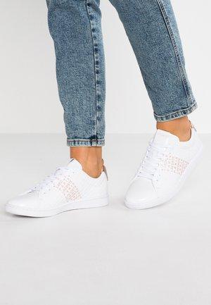CARNABY EVO  - Zapatillas - white