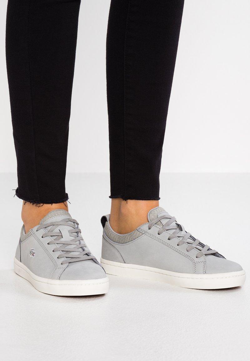 Lacoste - STRAIGHTSET  - Sneaker low - grey