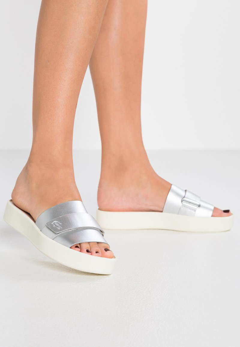 Lacoste - PIRLE SLIDE - Mules - silver/offwhite