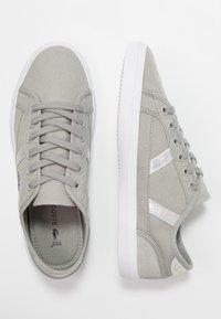 Lacoste - SIDELINE - Sneaker low - light grey/white - 3