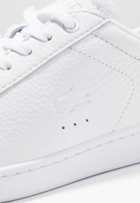 Lacoste - CARNABY EVO - Sneakers basse - white - 2
