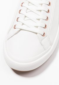 Lacoste - LANCELLE  - Trainers - offwhite - 2