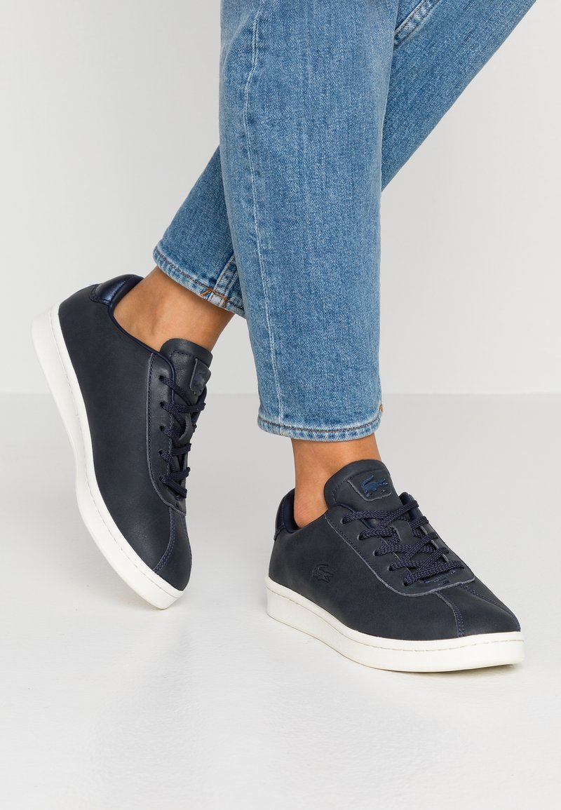 Lacoste - MASTERS - Sneaker low - navy/offwhite