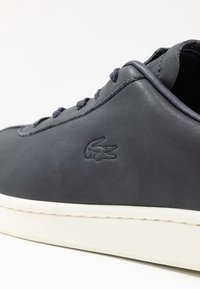 Lacoste - MASTERS - Sneaker low - navy/offwhite - 2