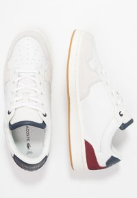 Lacoste - MASTERS CUP - Sneaker low - offwhite/navy/dark red - 3