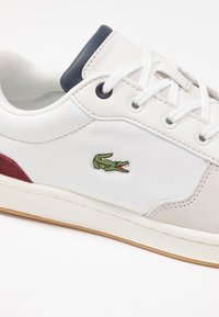 Lacoste - MASTERS CUP - Sneaker low - offwhite/navy/dark red - 2