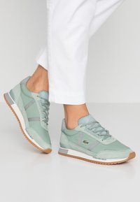 Lacoste - PARTNER RETRO - Sneaker low - light green/offwhite - 0