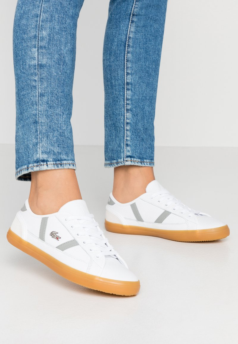 Lacoste - SIDELINE - Trainers - white/grey