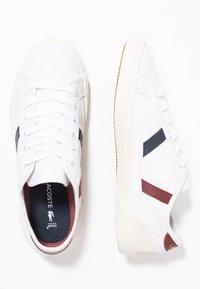 Lacoste - SIDELINE - Baskets basses - white/dark red/navy - 3