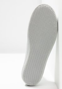 Lacoste - ZIANE - Trainers - light grey - 6