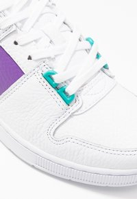 Lacoste - THRILL - Trainers - white/purple - 2