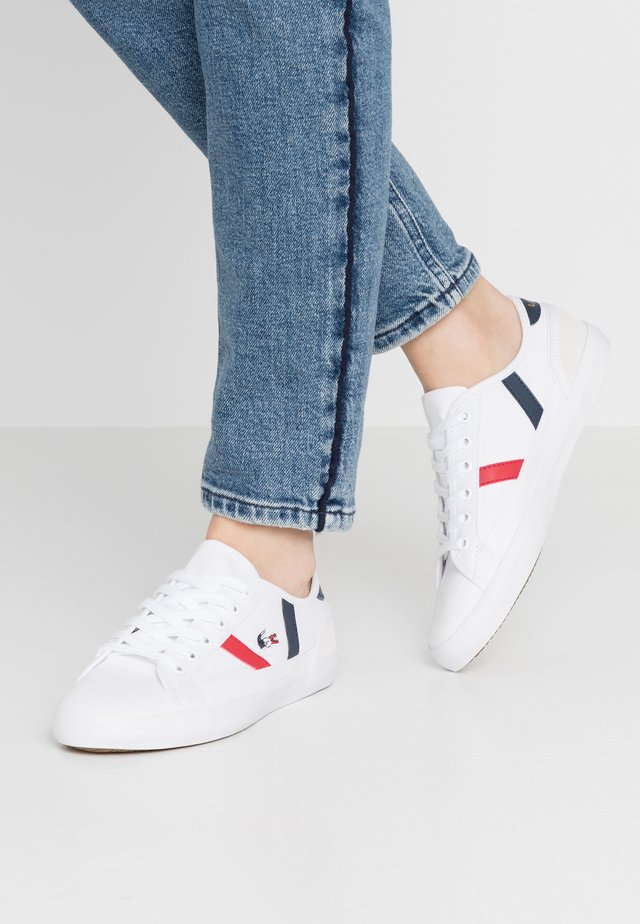 SIDELINE - Sneakers laag - white/navy/red
