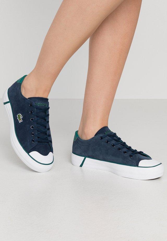 LACOSTE - DAMEN SPORTSWEAR SCHUHE - Sneakers laag - nyv/grn