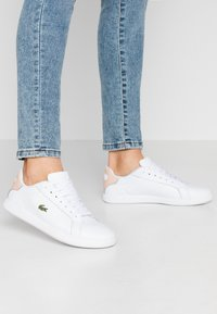 Lacoste - GRADUATE  - Sneakers basse - white/natural - 0