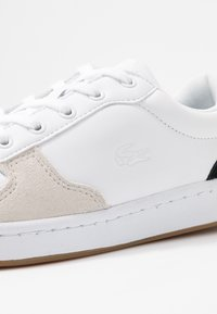 Lacoste - MASTERS CUP  - Baskets basses - white/black - 2