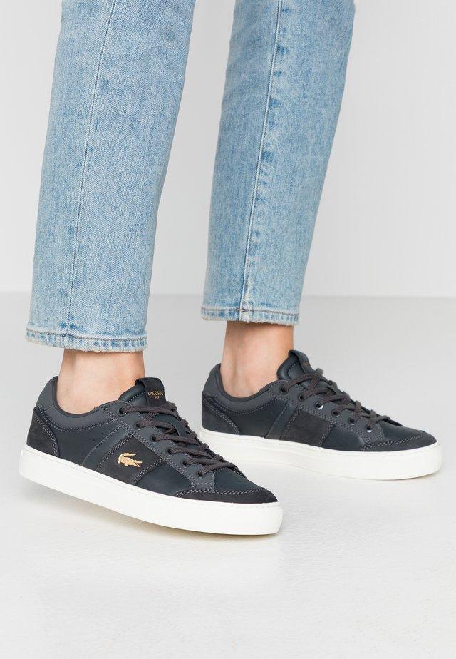 COURTLINE - Sneakers laag - dark grey/offwhite