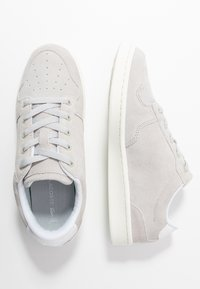 Lacoste - MASTERS CUP - Tenisky - light grey/offwhite - 3