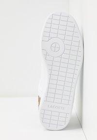 Lacoste - CARNABY EVO  - Matalavartiset tennarit - white - 6