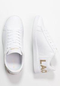 Lacoste - CARNABY EVO  - Matalavartiset tennarit - white - 3