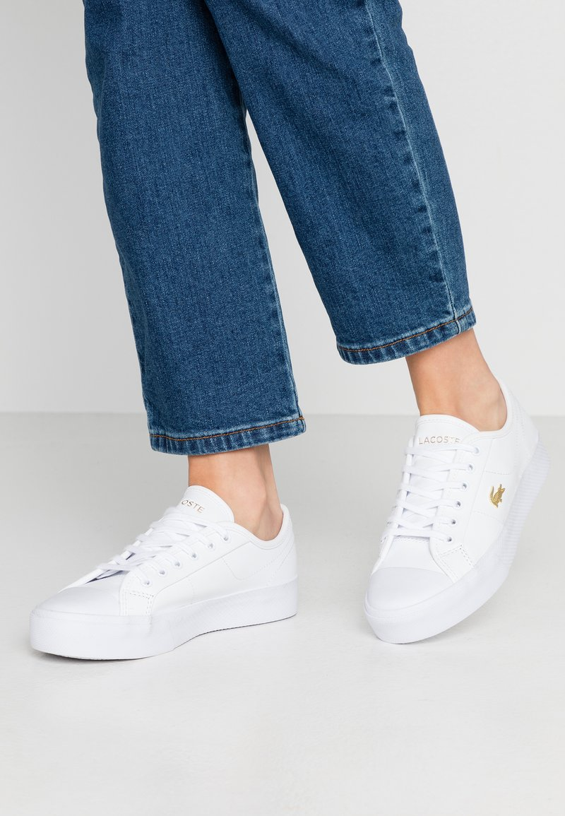 Lacoste - ZIANE PLUS GRAND - Sneakers laag - white