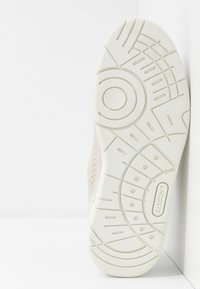 Lacoste - Tenisky - offwhite/light grey - 6