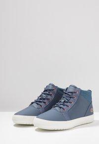 Lacoste - AMPTHILL - Sneaker high - dark blue/offwhite - 4
