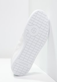 Lacoste - CARNABY - Sneakers laag - white - 5