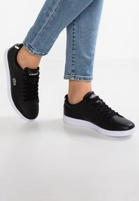 Lacoste - CARNABY - Sneakers laag - black - 0