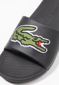 Lacoste - CROCO SLIDE - Slip-ins - black/green - 5
