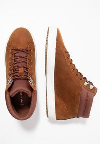 Lacoste - STRAIGHTSET INSULAC - Zapatillas altas - brown/offwhite - 1