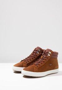 Lacoste - STRAIGHTSET INSULAC - Zapatillas altas - brown/offwhite - 2