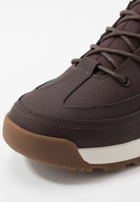 Lacoste - URBAN BREAKER - Sneakers alte - dark brown/offwhite - 5