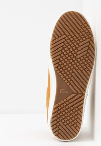 Lacoste - STRAIGHTSET THERMO - High-top trainers - tan/brown - 4