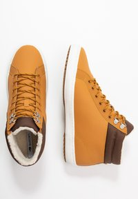 Lacoste - STRAIGHTSET THERMO - High-top trainers - tan/brown - 1