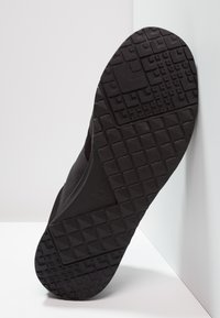 Lacoste - L.IGHT - Sneakersy niskie - black - 4