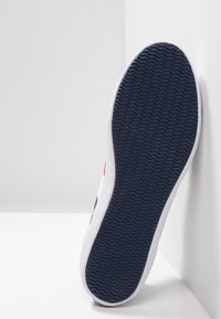 Lacoste - LEROND - Baskets basses - navy/white/red - 4