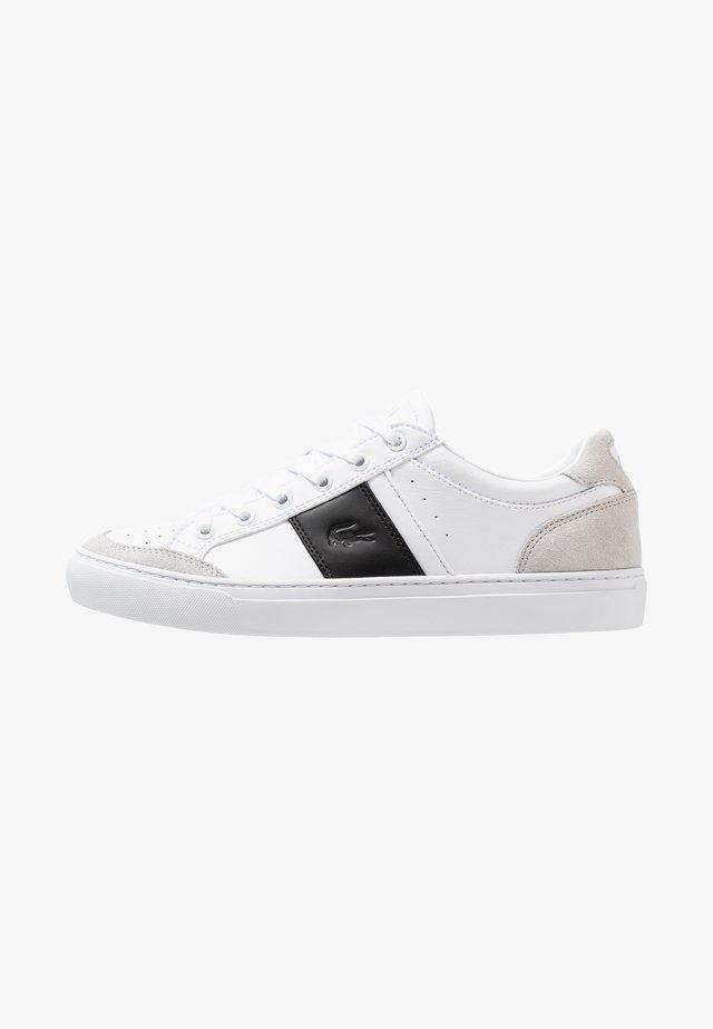 COURTLINE - Baskets basses - white/black