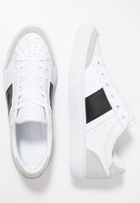 Lacoste - COURTLINE - Trainers - white/black - 1