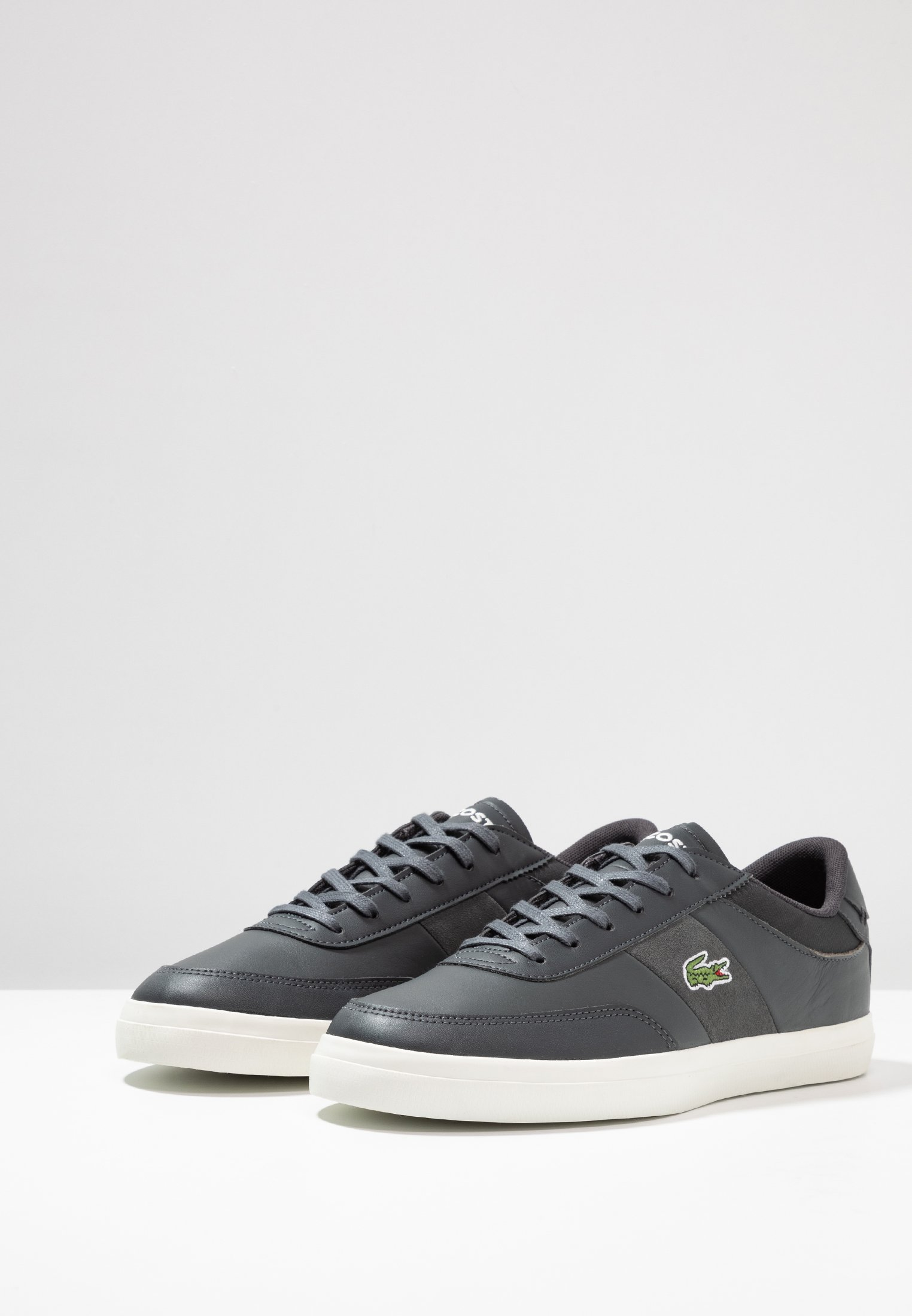 masterBaskets Lacoste Dark Court Basses Gry offwhite TcKlF1J