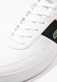 Lacoste - COURT MASTER - Sneakers basse - white/black - 5
