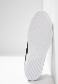 Lacoste - COURT MASTER - Sneakers laag - black/white - 4