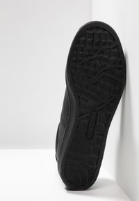 Lacoste - MASTERS - Trainers - black - 4