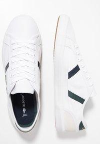 Lacoste - SIDELINE - Sneakers - white/dark green - 1