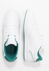 Lacoste - MASTERS CUP - Sneakers - white/green - 1